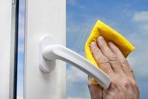 5 cách chống nước mưa hất vào cửa hiệu quả